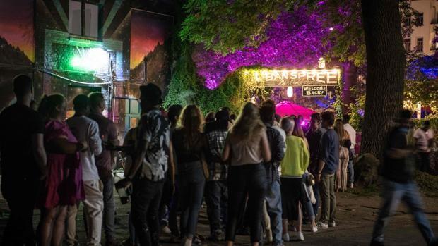 Wir tanzen, bis unser Körper es zulässt»: Berliner Nachtclubs kehren für geimpfte und geheilte Patienten zur Normalität zurück